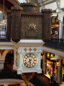 A clock in the QVB